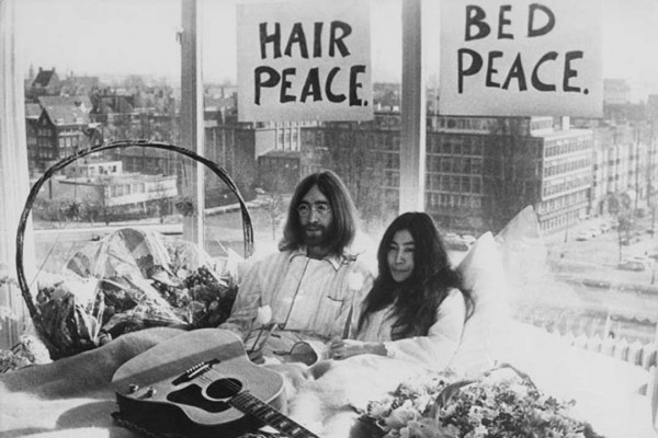 ono lennon bed peace